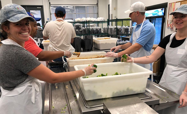 Push10 team volunteer at Manna a Philadelphia nonprofit